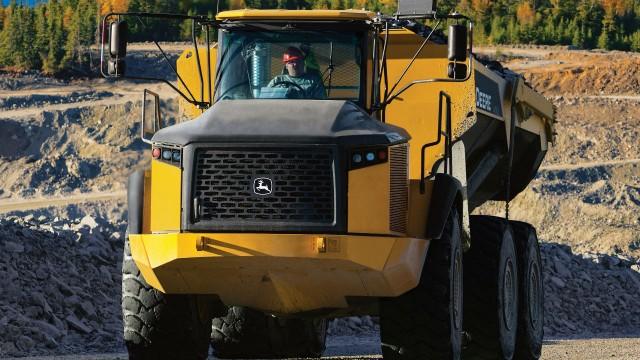 John Deere offers extended articulated dump truck transmission warranty on new E-Series models