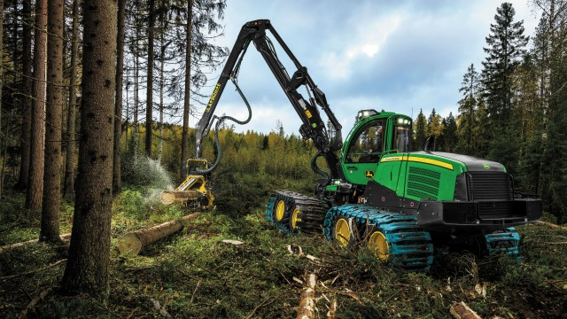 The John Deere 1170G is one of two new G-Series models of wheeled harvester.