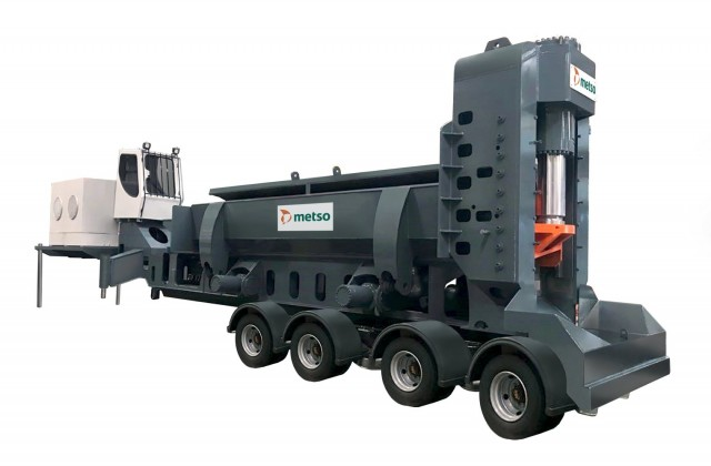 Metso NMS Series shear/baler/loggers are available in mobile, stationary, transportable or track-mounted versions, and designed so that processors can choose which version will best satisfy their requirements.