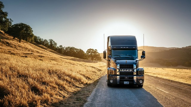 Mack Trucks has received a prestigious design award for its Anthem model.