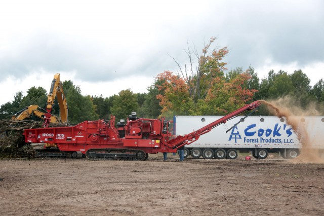 Morbark showed various models of their horizontal grinder lineup, along with chippers, trimmers, flails and mulchers, for biomass, recycling, forestry and landscaping (tree care) applications.