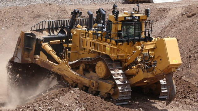 The 40,000th large dozer from Cat is a D11T that will be put to work in southeastern B.C.