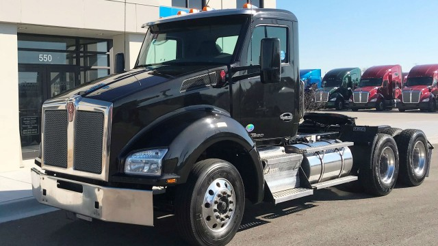 Pre-owned trucks including Kenworth T880s are eligible for an extended warranty through the new options.