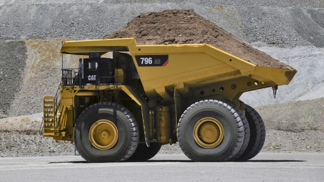 The Cat High Efficiency (HE) Body is sized and configured to meet the specific needs of the mine, dictated by fragmentation, abrasion, cohesion and the loading tool.