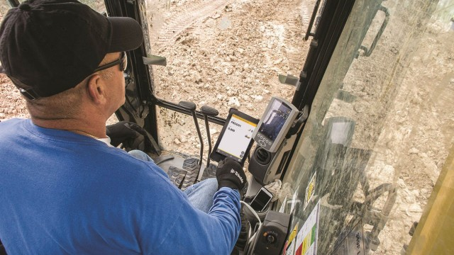 Excavator operators will be able to get more accurate load numbers as LOADRITE is integrated into Trimble's Earthworks.