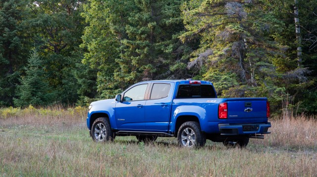 The 2019 Z71 Trail Runner begins with the Colorado Z71 off-road package and adds the underbody protection of the Colorado ZR2. Changes include stamped aluminum front and mid skid plates, functional rocker protection and Goodyear Duratrac tires.