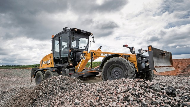 The 836C and 856C motor graders feature one of the most intelligent high-precision load-sensing hydraulic circuits available on the market.