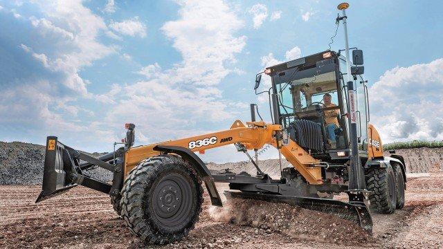 All C Series motor graders also come standard with CASE ProCare, which allows C Series owners to fully plan for and understand total operating costs of the machine for the first three years of ownership.