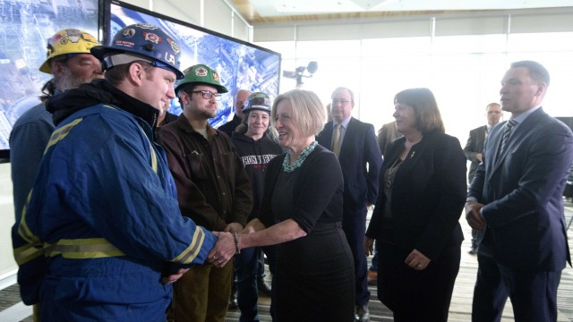 Premier Notley greets members of the Building Trades of Alberta while announcing a new Expression of Interest for refining in the province.