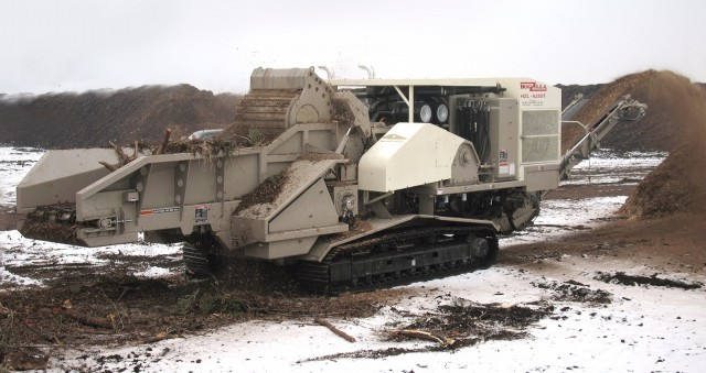 The CW Mill HogZilla HZL-6250T horizontal on tracks features a CAT C27 engine, 1,200-hp rated torque converter mill drive designed to provide greater production and fuel economy.