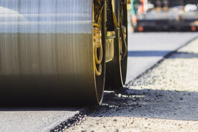 Asphalt mixtures containing rubber significantly reduce cracking, ruts and potholes in road surfaces, which in turn extends road service life.