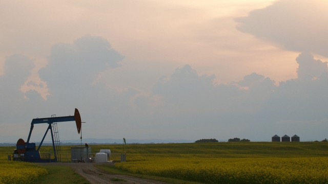 Western Canada is producing significantly more oil than transportation networks can handle at present, according to the NEB. – Flickr user wilsonhui; image used under Creative Commons license