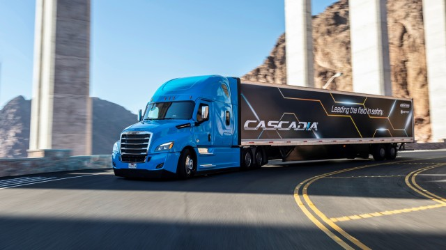 Today, the new Cascadia delivers SAE Level 2 driving capabilities with the Detroit Assurance® 5.0 suite of camera- and radar-based safety systems.