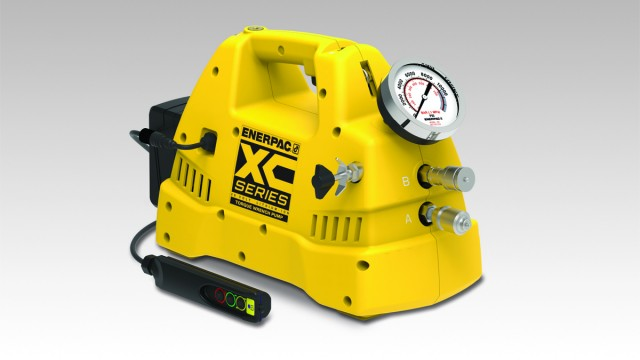The XC-Series Cordless Torque Wrench Pump features an interactive pendant that can be operated in manual or auto-cycle mode.