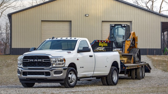 A new braking system upgrades the calipers, booster and master cylinder. Combined with a larger-ratio pedal swing, the 2019 Ram Heavy Duty delivers a more confident and powerful execution with little effort from the driver.