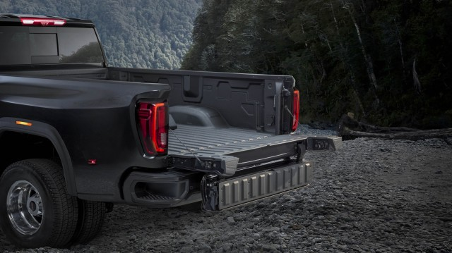 The bigger frame, stronger propulsion and smarter technologies are expected to deliver dramatically greater towing capacity than previous models, well in excess of 13,607 kilograms (30,000 pounds).