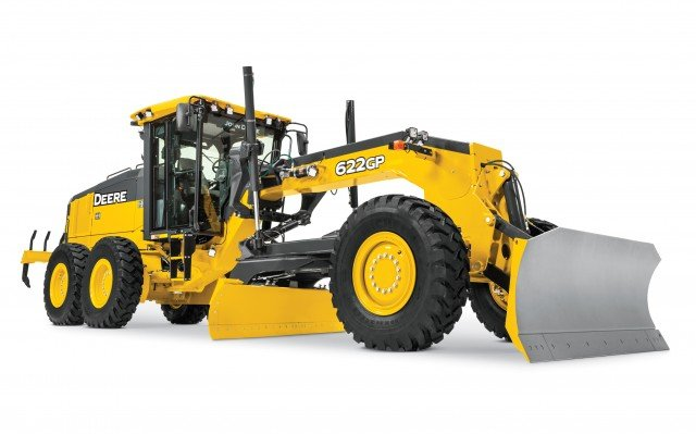 The European rollout focuses on the six-wheel drive 622GP and 672GP models that feature fuel efficient Final Tier 4 John Deere diesel engines (6.8L and 9.0L), boasting 227 (169kW) and 255 (190kW) horsepower respectively.