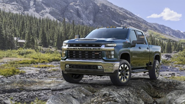 New, more powerful 6.6L V-8 gas engine with direct injection for greater performance and stronger trailering capability with 21 percent more torque and up to 18 percent more towing compared to previous 6.0L gas engine.