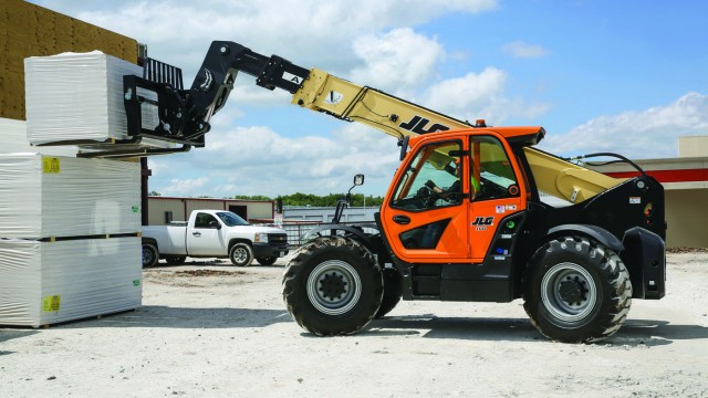 Currently available for its 1644 and 1732 high capacity telehandlers, SmartLoad Technology will be available as an option on all JLG telehandlers over the next 12 months.