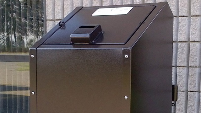 Animal proof waste & recycling containers are ideal for